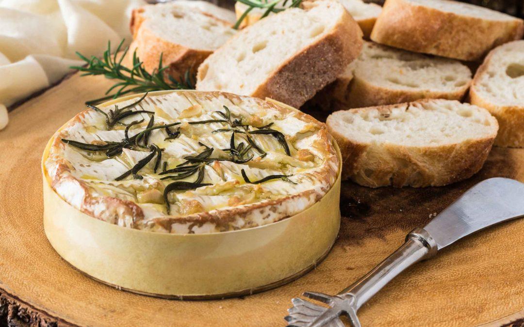 11 façons créatives de cuisiner un camembert