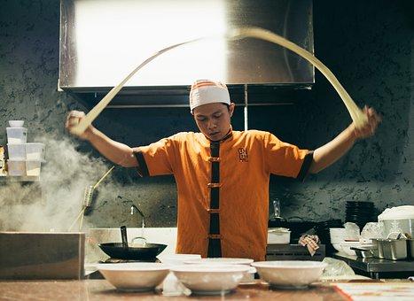 Comment bien choisir son matériel professionnel de cuisine ?