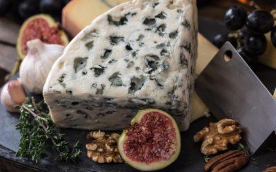 Partez pour un voyage gustatif dans les terroirs du fromage roquefort