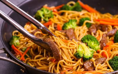 Chow mein au boeuf et au brocoli
