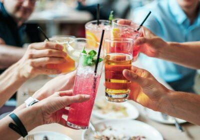 12 Cocktails en pichet parfaits pour le brunch de Pâques