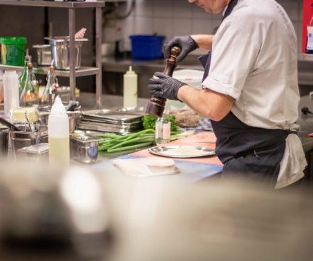 Apprendre à rédiger un CV cuisine comme un pro!